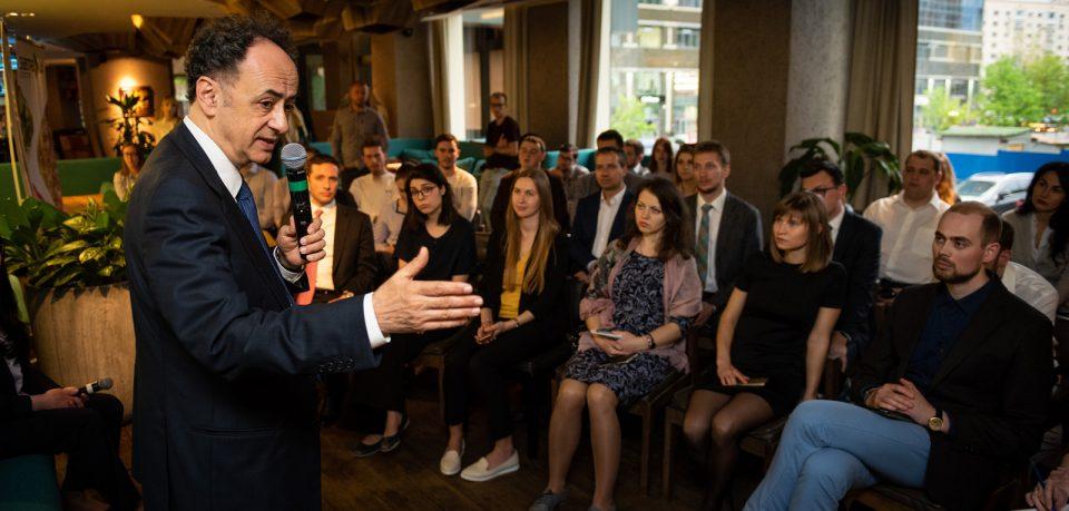 Хюґ Мінґареллі, Голова Представництва ЄС в Україні, зустрівся зі стипендіатами освітніх програм «Завтра.UA» та «Всесвітні студії» Фонду Віктора Пінчука